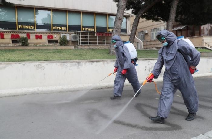 Bakü'de 551 sokak dezenfekte edildi