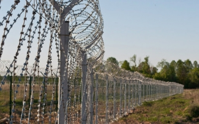 Azerbaycan, İran'la sınır kapılarını 20 Nisan'a kadar kapalı tutacak