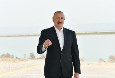 Azerbaycan'da döviz rezervleri dış borçtan yaklaşık 6 kat daha fazla