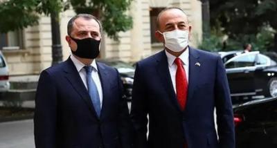 Bakan Çavuşoğlu Azeri mevkidaşıyla ile görüştü
