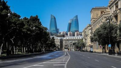 Bakü sokakları Kovid-19 tedbirleri nedeniyle boş kaldı