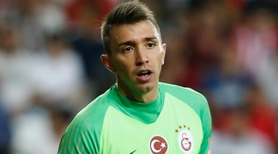 Galatasaray'da Fernando Muslera'nın yerine 2 aday!