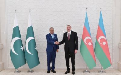 İlham Aliyev Pakistan Cumhurbaşkanı'nı tebrik etti