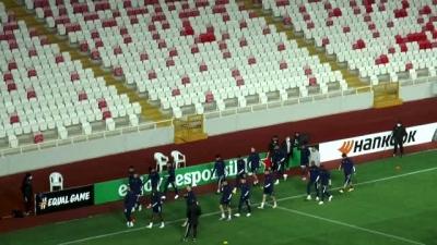 Karabağ, Demir Grup Sivasspor maçının hazırlıklarını tamamladı