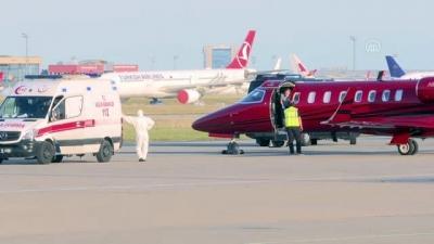 Türkiye'de tedavi olmak isteyen hasta ambulans uçakla Bakü'den getirildi